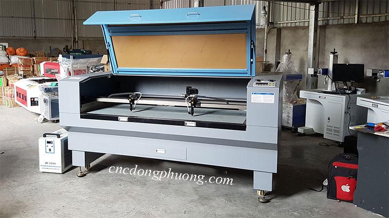 máy laser 1610 chuyên làm việc trên phi kim loại