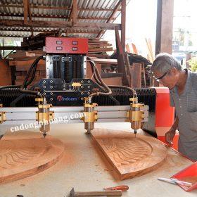 5 điểm khách hàng yêu thích máy cnc khắc gỗ 1325-4 Đông Phương1